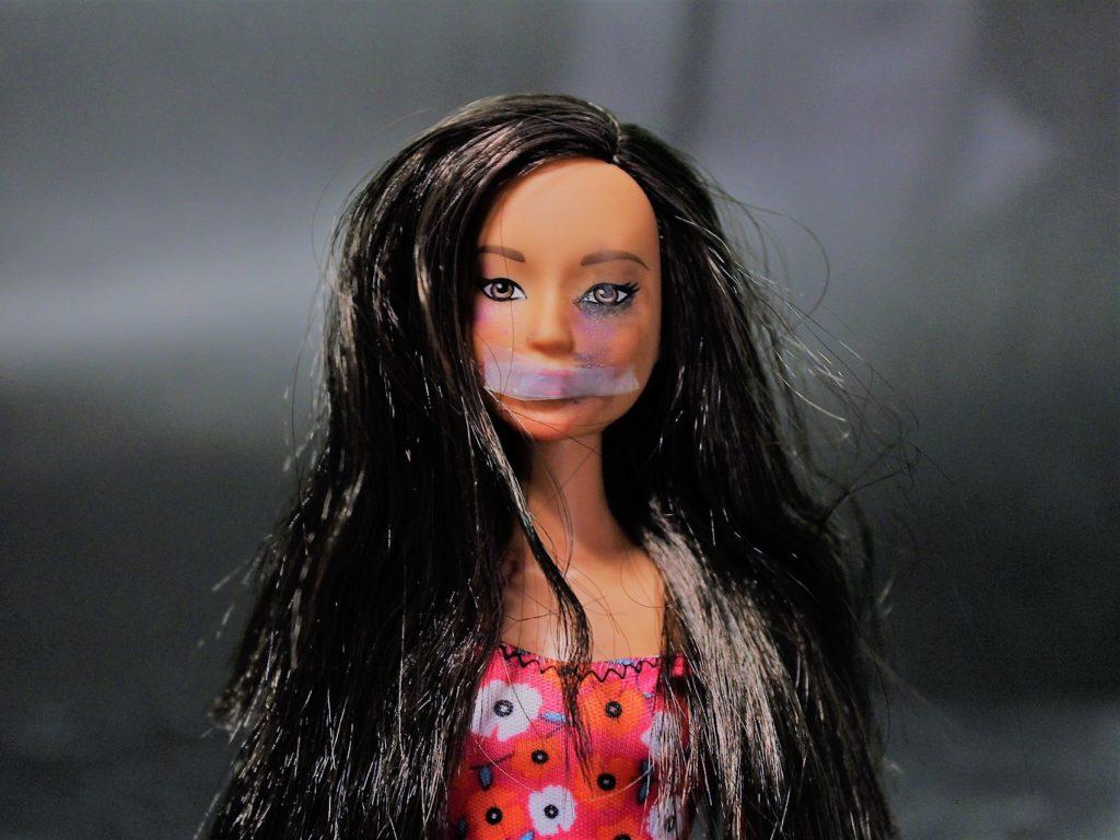Violenza - bambola